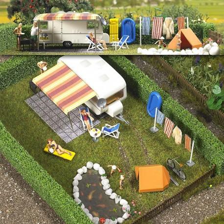 Scène de camping avec accessoires HO 1/87 BUSCH 6023