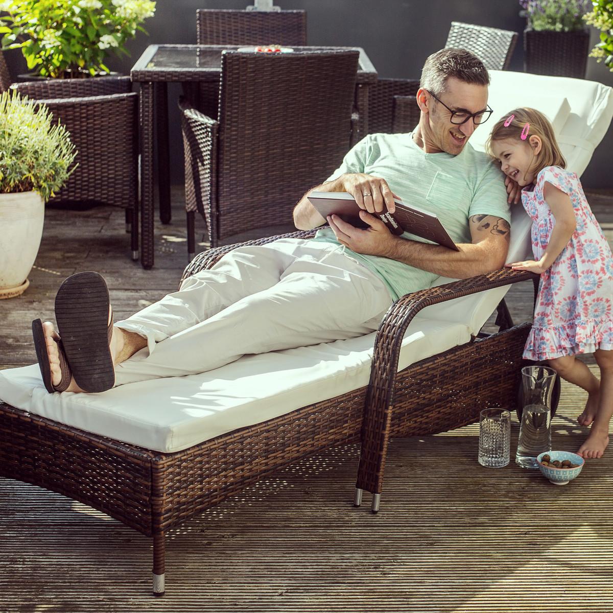 Chaise longue bain de soleil meuble de jardin en poly rotin transat