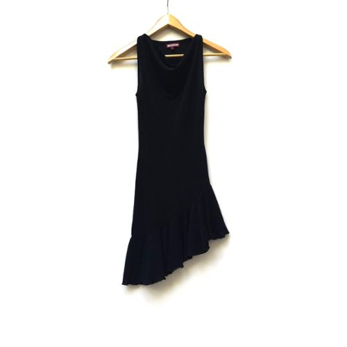 Avis sur » Petite Robe Noire Asymétrique Jennyfer Taille 36 » Prêt