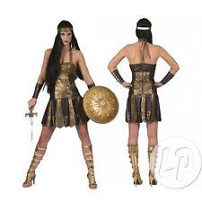 femme de Guerriere romaine comprend une robe longue et marron