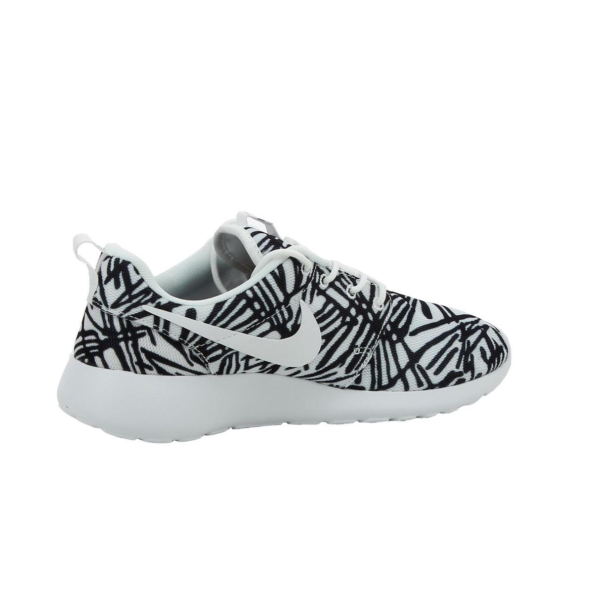 buy popular f4906 01dc1 Basket Nike Roshe Run Print Ref. 599432 110 Achat et vente