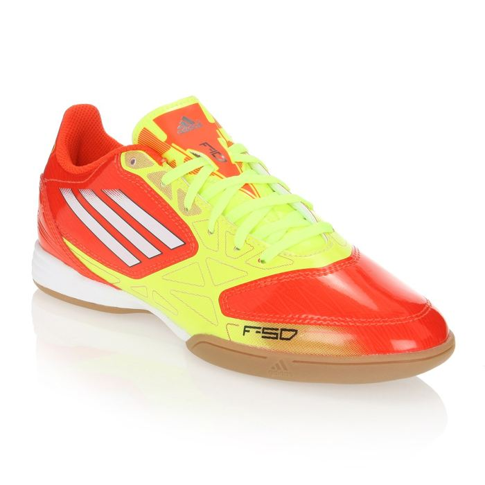 Chaussures de Foot F10 IN orange et jaune. Chaussures de foot en salle