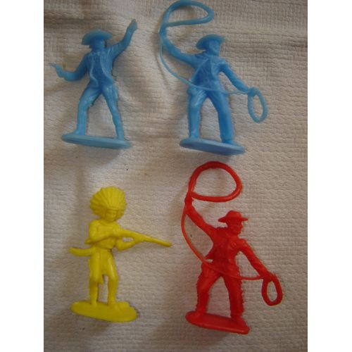 4 Figurines Plastique Color Western 70 Mm Cowboys & Indiens