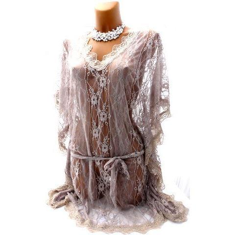 Robe ou tunique dentelle