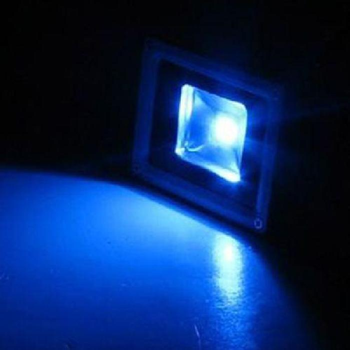 Spot exterieur bleu topiwall for Spot led bleu exterieur