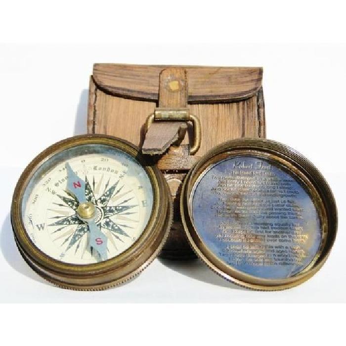 Boussole d'explorateur en laiton avec étui cuir vintage style ancien