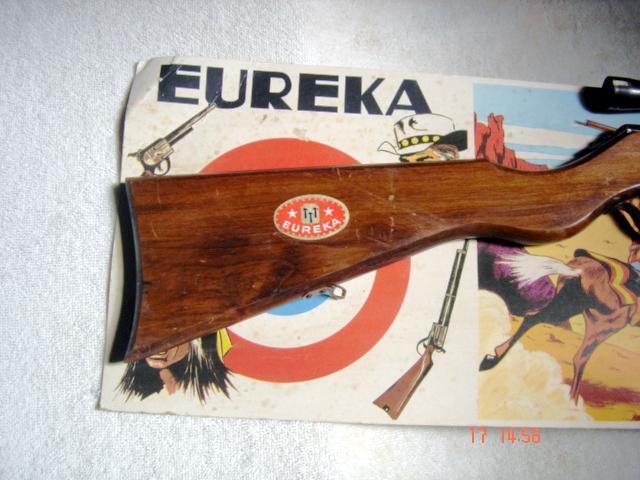 Euréka Jouet Tir aux pigeons avec 3 flechette et carte Cible