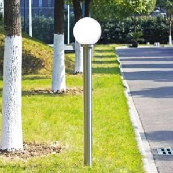 Lampadaire de jardin 1 tête Ce lampadaire d'extérieur attire par