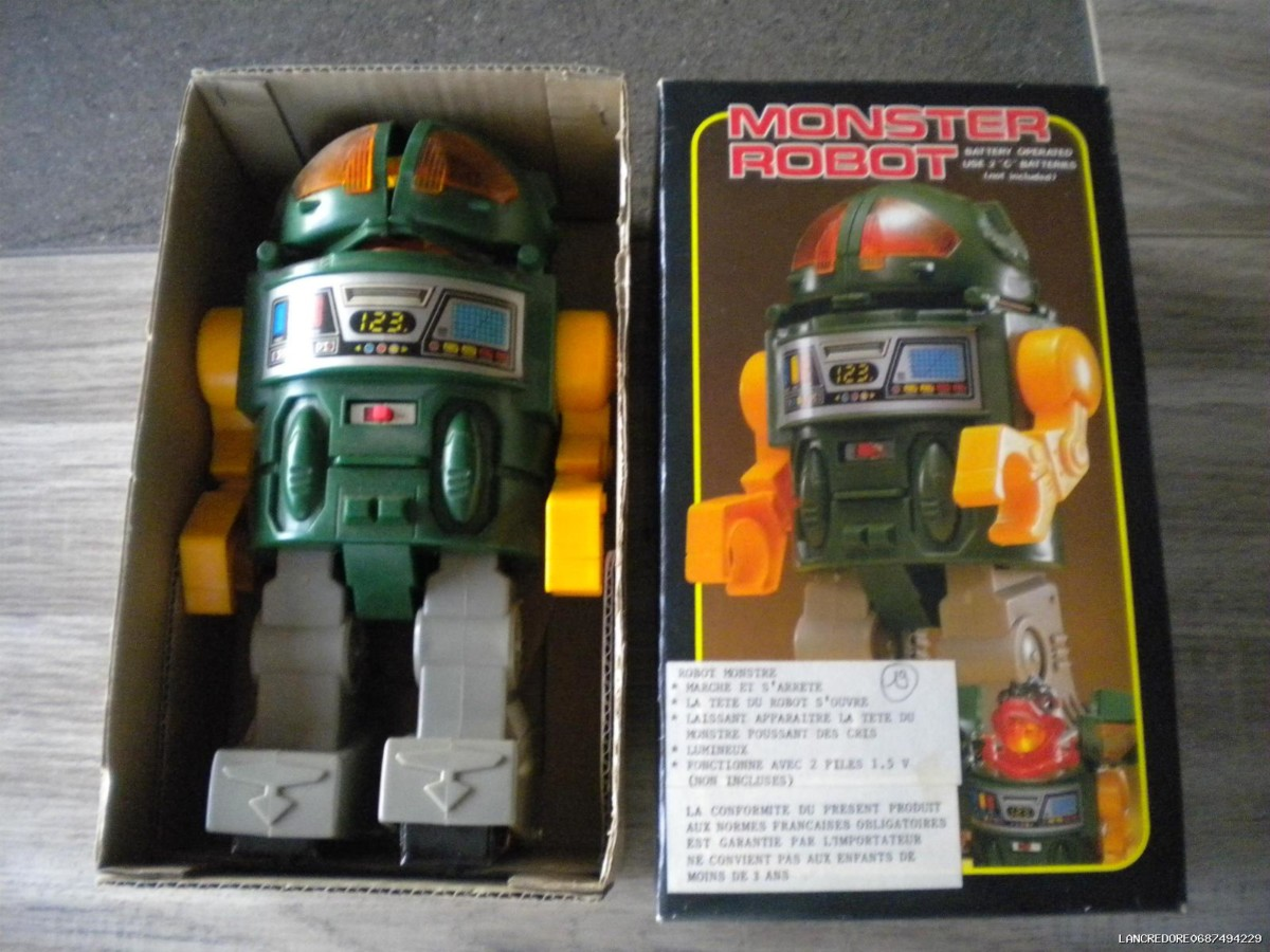 ROBOT ANCIEN 1960 / TRADE SH MARK GODZILLA MONSTER ROBOT