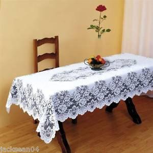 SUPERBE NAPPE DE TABLE BLANCHE LOURDE EN DENTELLE 177.8cm