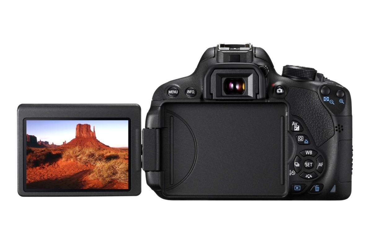 EOS 700D + 18 55 MM ET 55 250 MM + Canon SPEEDLITE 430EX II EOS 700D