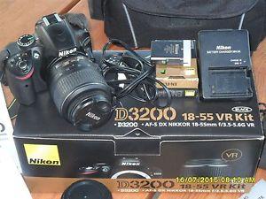NIKON D3200 + Objectif AF S DX NIKKOR 18 55mm VR