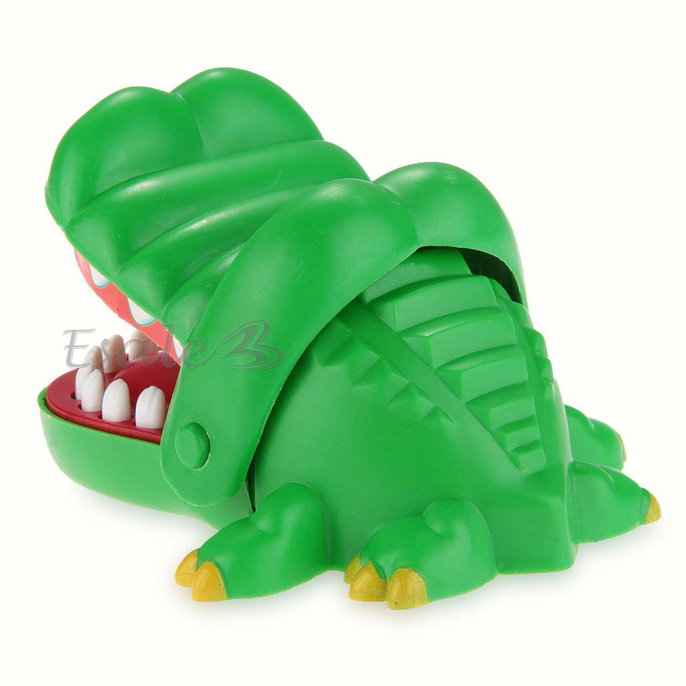 description ce jouet crocodile avec des dents